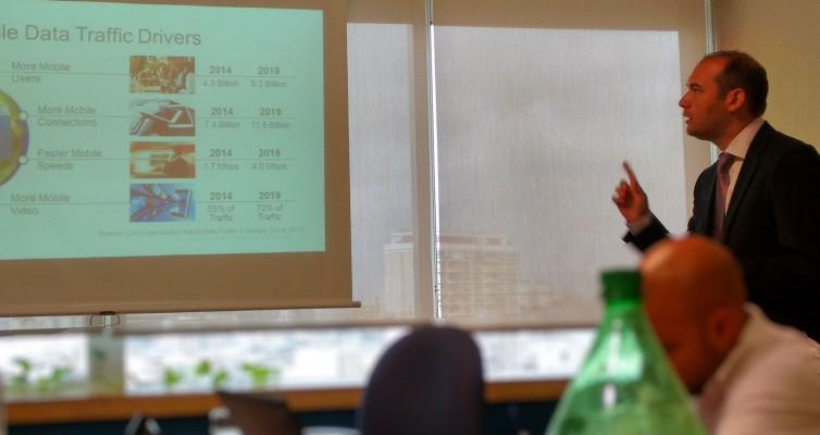 Gonzalo Valverde explica los resultados del Visual Networking Index para móviles 2014-2019