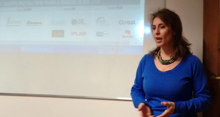 Carolina Bándoli describe las características de la nueva actividad de dinámica grupal que se va a llevar a cabo en BAIT 2015.