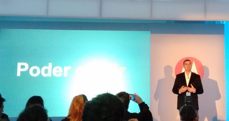 German Greco cuenta la actualidad de Motorola Mobility en la Argentina mientras, no podía ser de otra manera, los celulares lo filmaban.