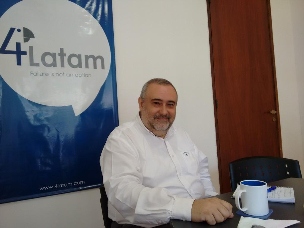 Marcelo Arrabal contento porque inaugura nuevas oficinas en el Microcentro porteño