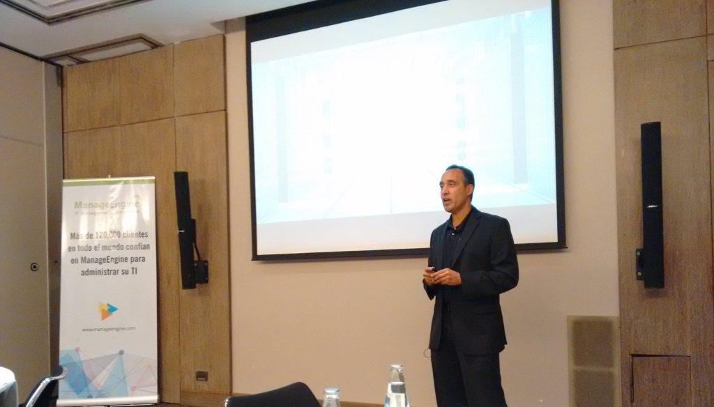 Raj explica las ventajas diferenciales de los productos de ManageEngine.