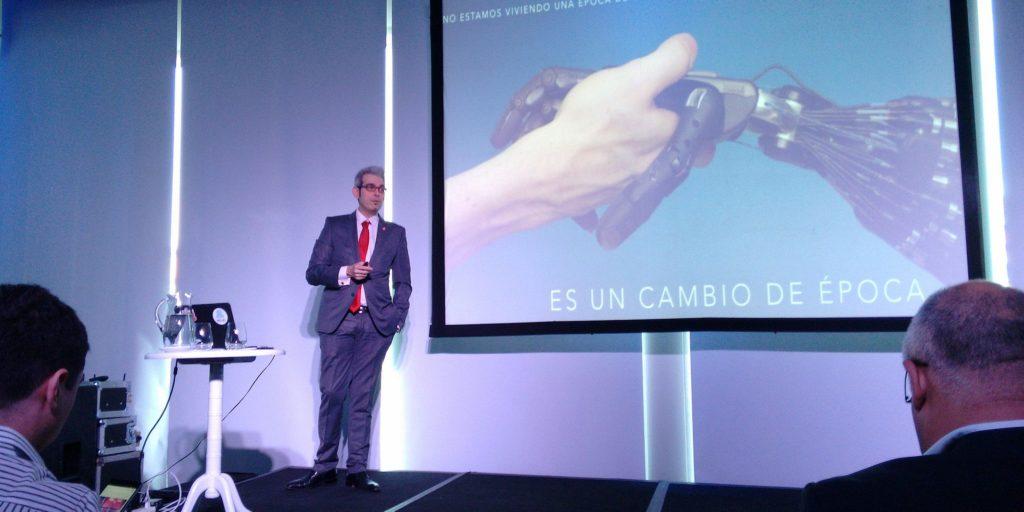 Esta vez Gustavo Guaragna no hizo magia sino que habló de innovación y cambio.