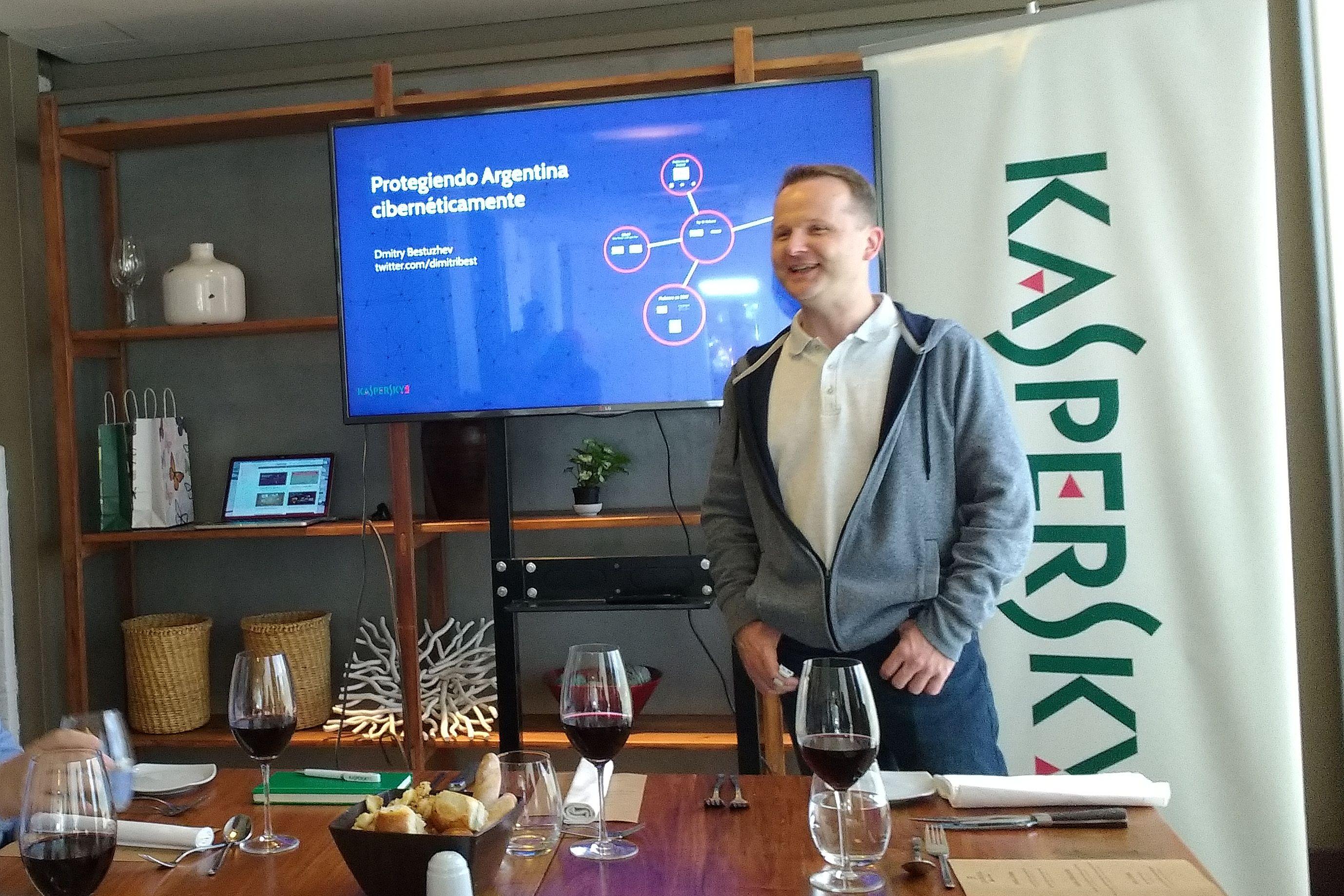"""Kaspersky: """"Es un error creer que la amenaza es informática"""""""